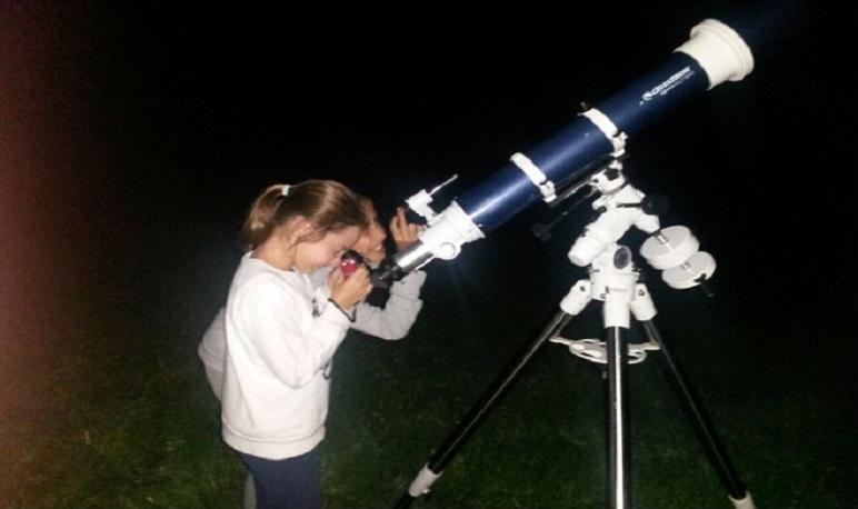 Observación nocturna del cielo