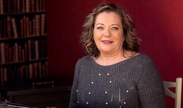 """Maite García presenta en la Biblioteca su libro """"Final del trayecto: YO""""."""