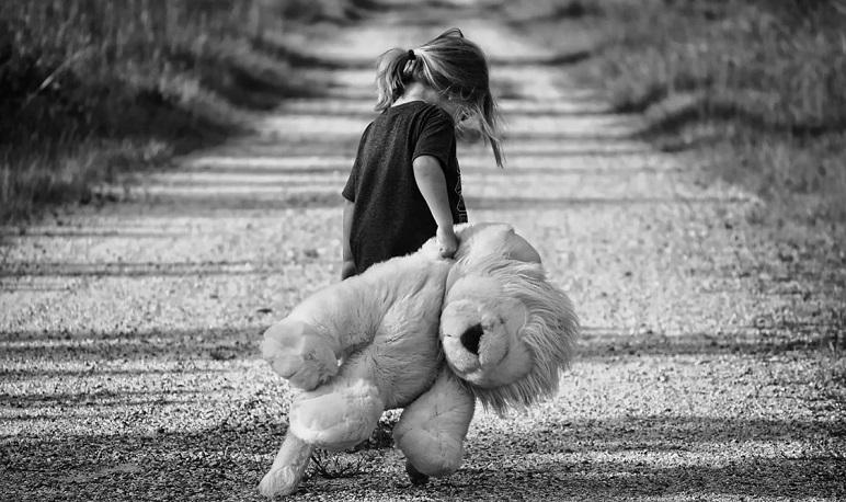 Charla-coloquio sobre la violencia en la infancia