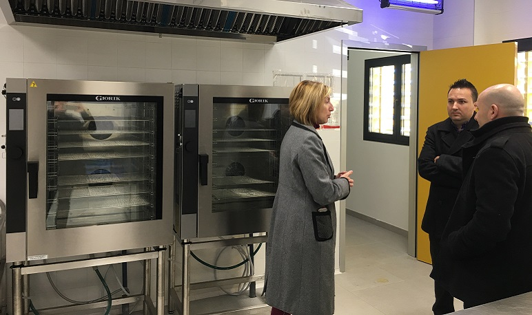 Comienza el camino para transformar la cocina del comedor del colegio de Pedrola
