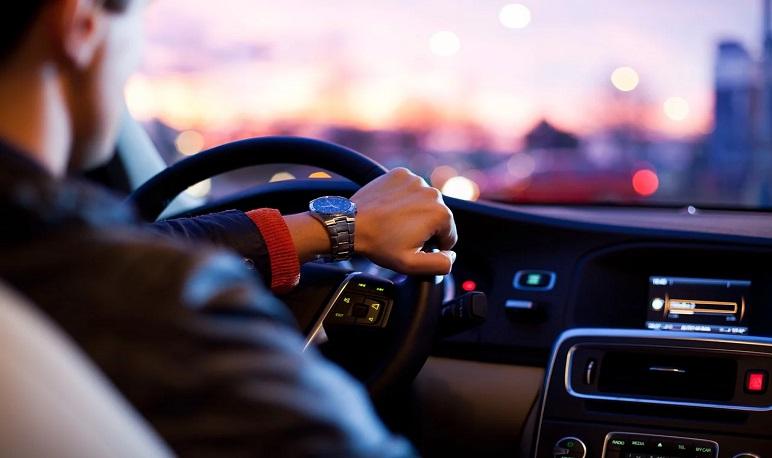 Campaña de control de vehículos y estacionamientos en Pedrola con multas de hasta 2.800€