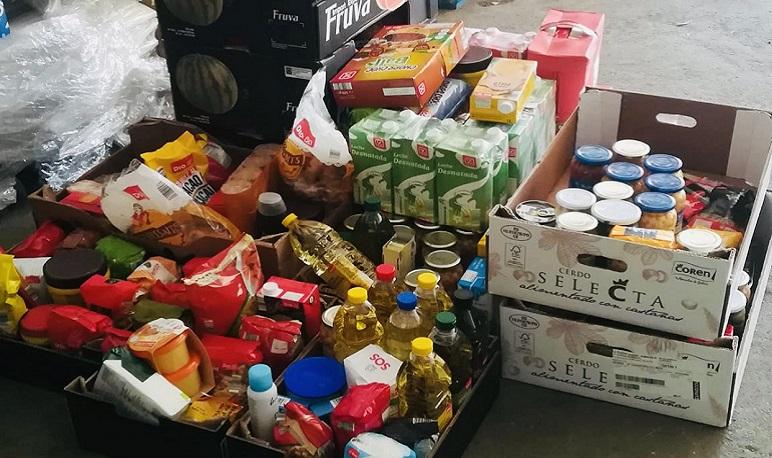 Pedrola entrega en el Banco de Alimentos de Zaragoza los alimentos recogidos en la reciente campaña solidaria