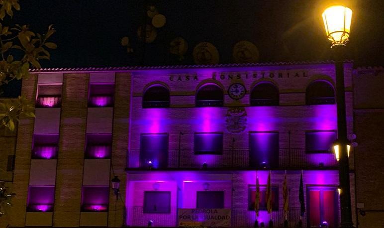 Pedrola, una mirada violeta