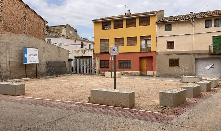 El Ayuntamiento de Pedrola acondiciona una zona de parking en el Terrero